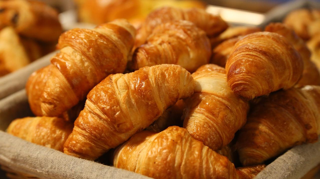 pan, cuerno, mañana