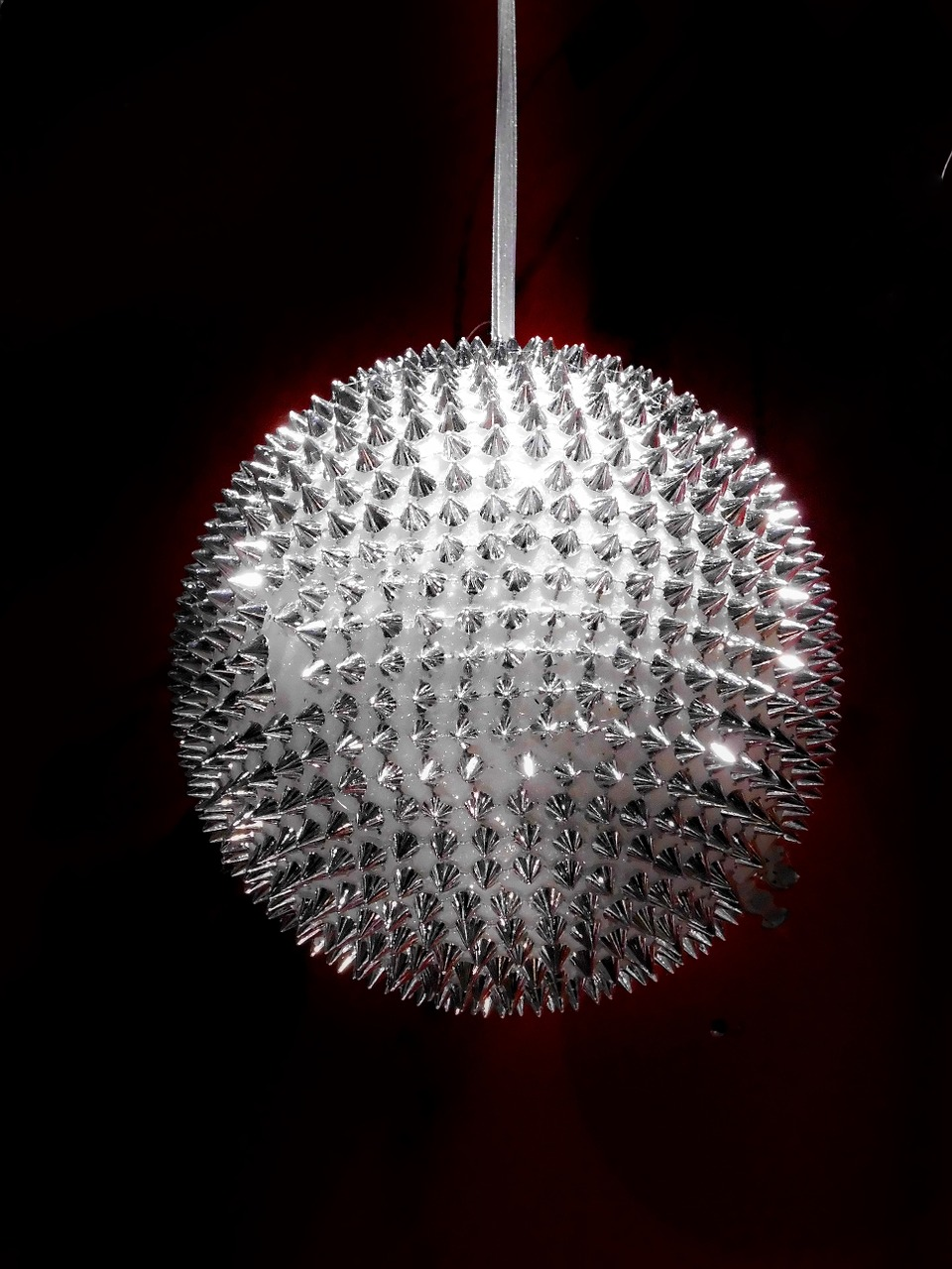 esfera de cristal, plata, decoración navideña