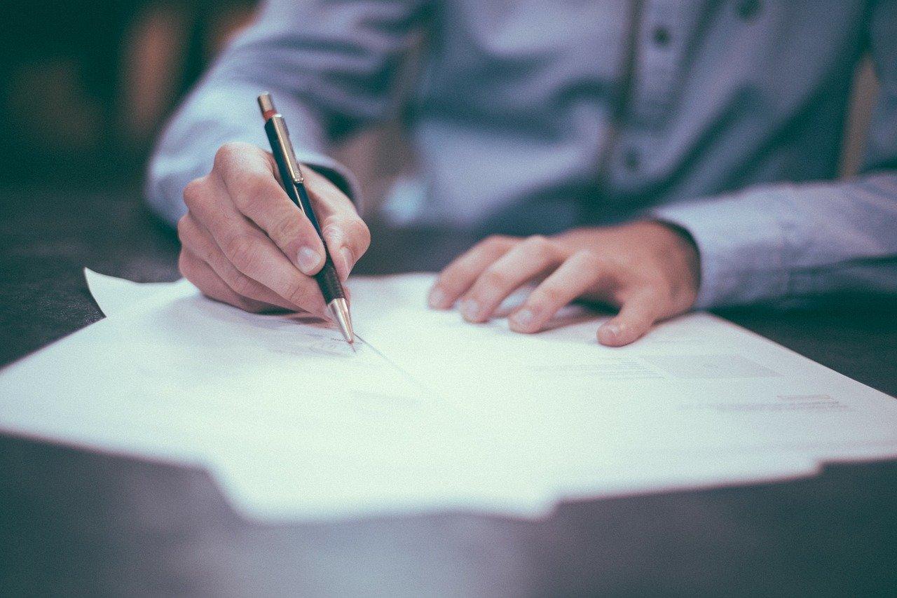 escribiendo, bolígrafo, hombre