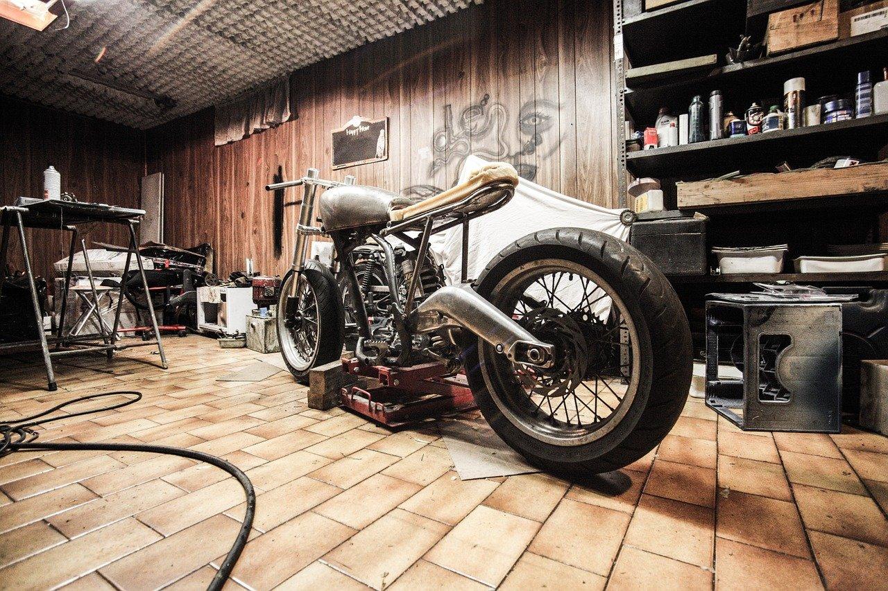 moto, garaje, reparaciones