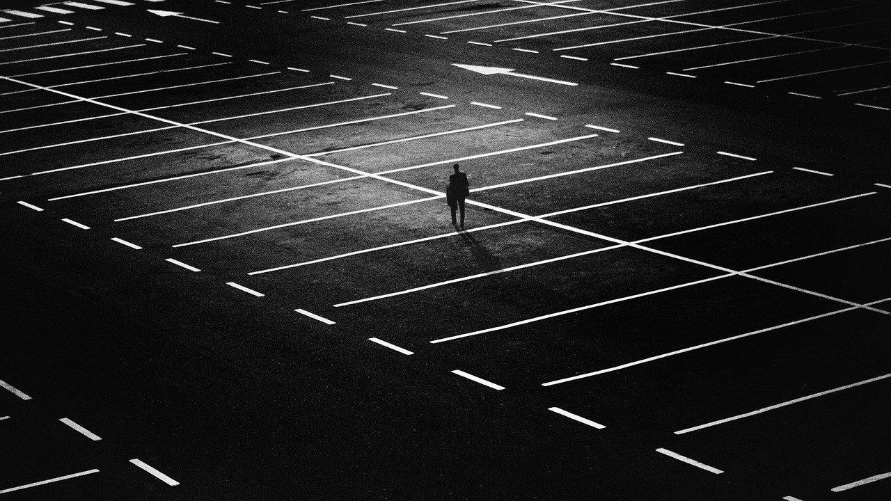 plaza de aparcamiento, hombre, ciudad