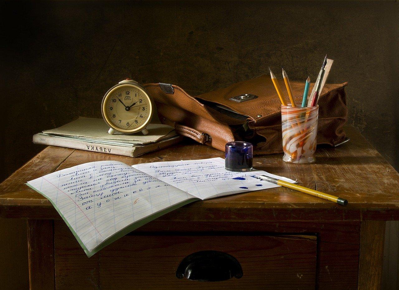 trabajo escolar, escribir, naturaleza muerta