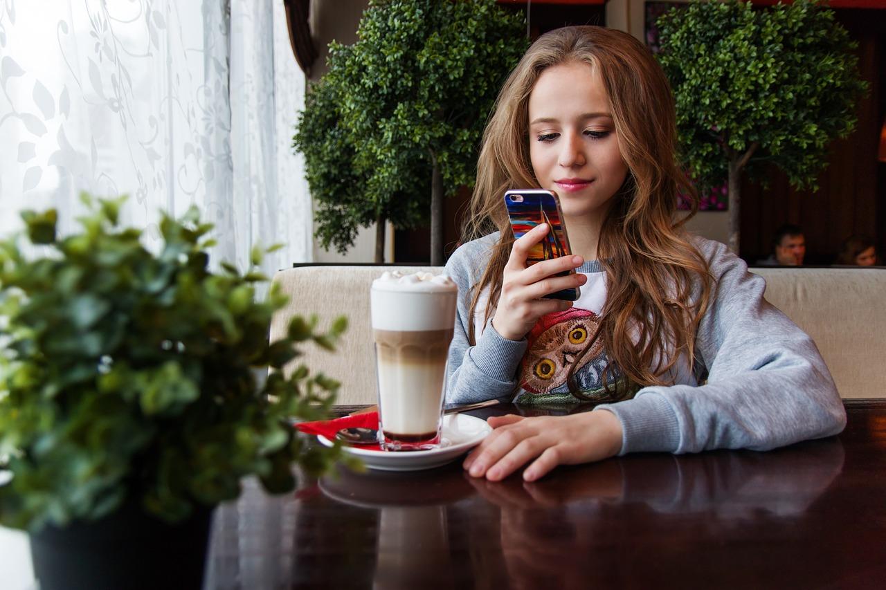 niña, adolescente, smartphone
