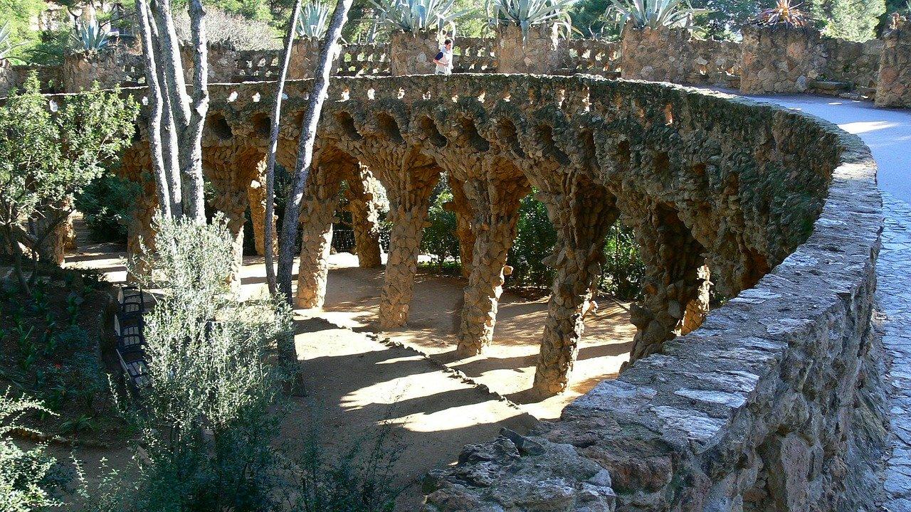 barcelona, la montaña montserrat, parque güell