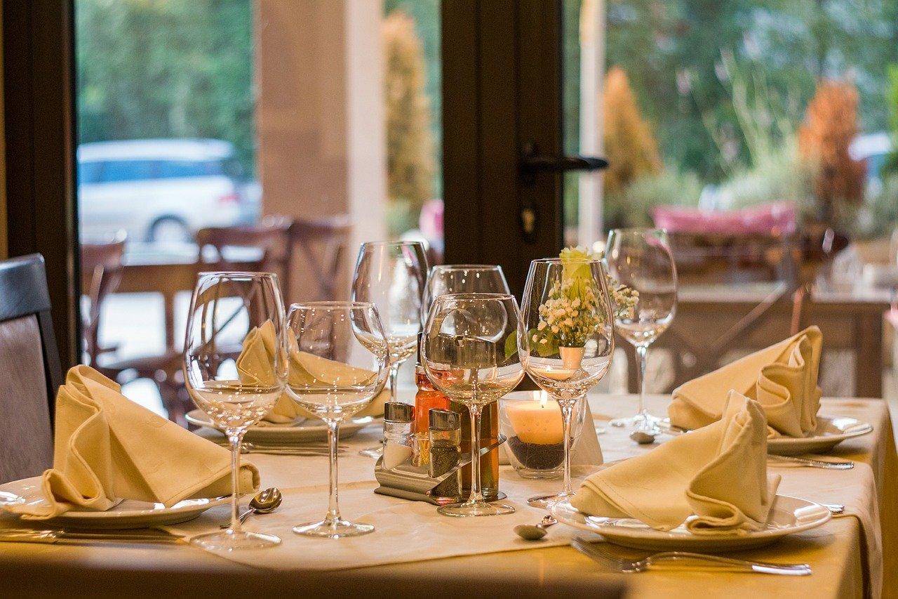 restaurante, ajuste de la tabla, mesa
