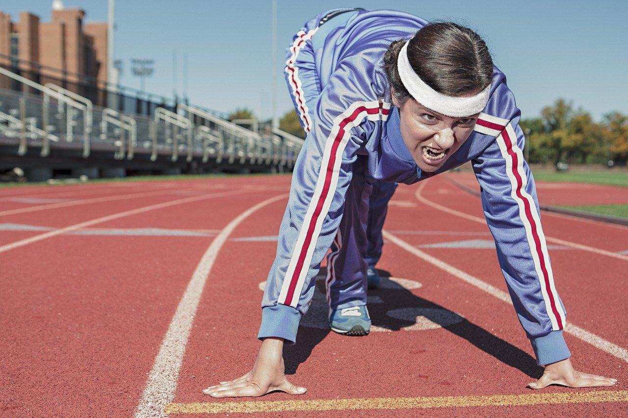mujer, atleta, corriendo