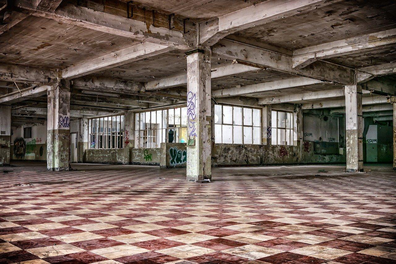 lugares perdidos, sala, columnas